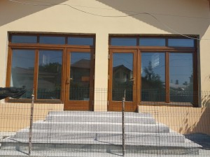 vitrina lemn stratificat